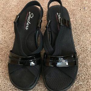 """💖💖 Sketchers Black Sandals Size 7 & 2"""" heel 💖💖"""